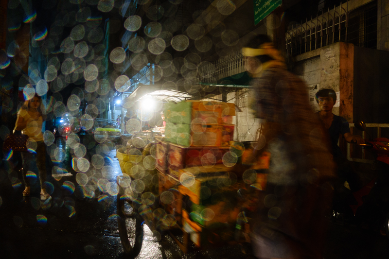 bangkok_night_street_rain