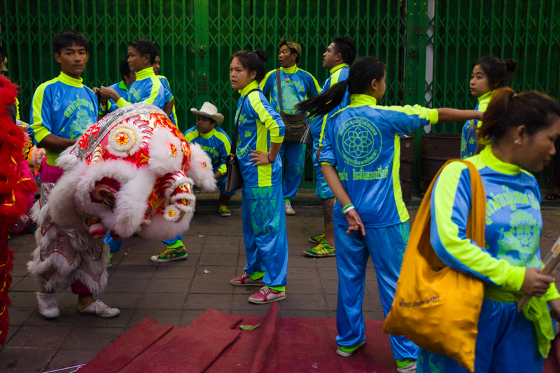 dragon-dance-performers