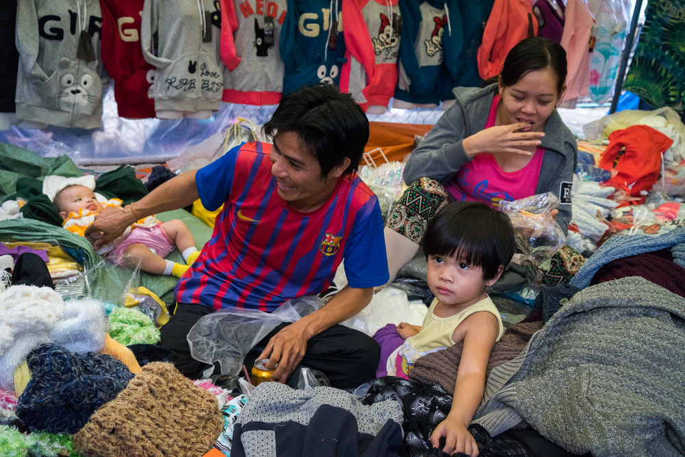 market-laos-family