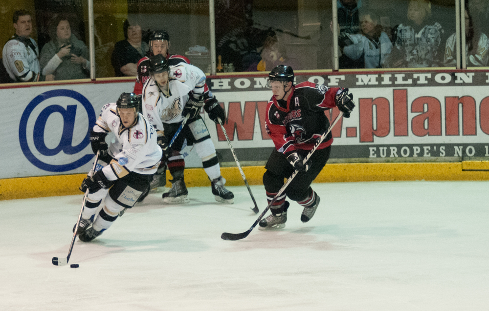 Ice Hockey - Milton Keynes vs Basingstoke Bison