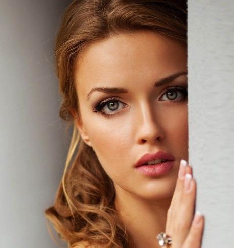 Most-Beautiful-Woman-485x728.jpg