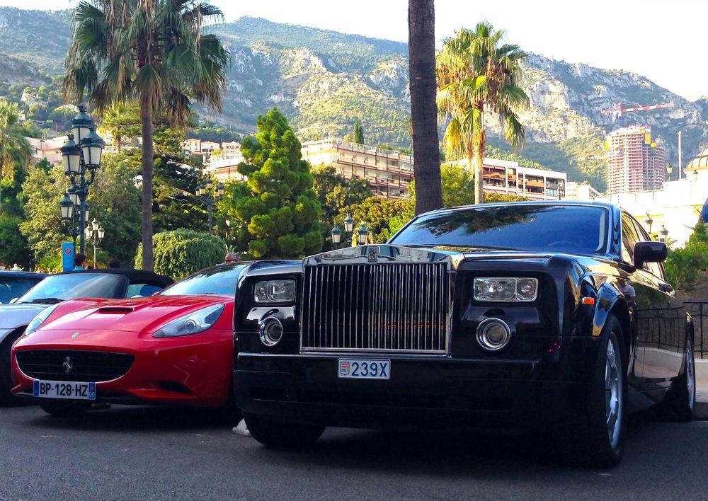 Ferrari-California-Rolls-Royce-Phantom-Monaco-August-2013b.jpg
