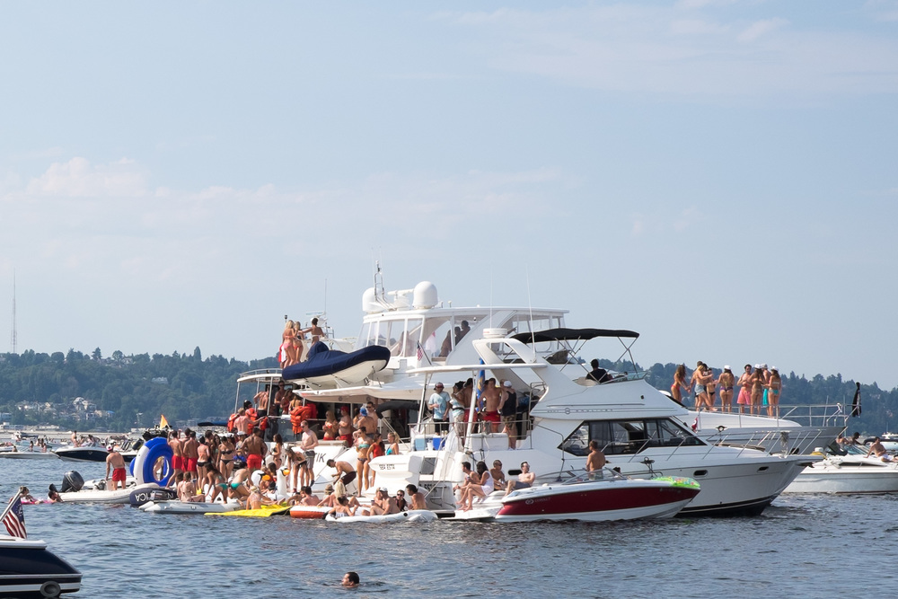 Mo Money Party boat