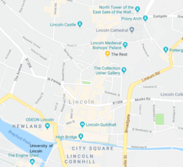 We're right in the centre of things… - In the Cathedral quarter between the city centre and the Bailgate.100m to Castle, Cathedral, Shopping and moreSurrounded by restaurants, cafes and places to drinkAround a 12 min walk from bus and train stations