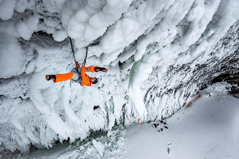 mountaineering_helmckenfalls_dani-arnold_D-300868.jpg