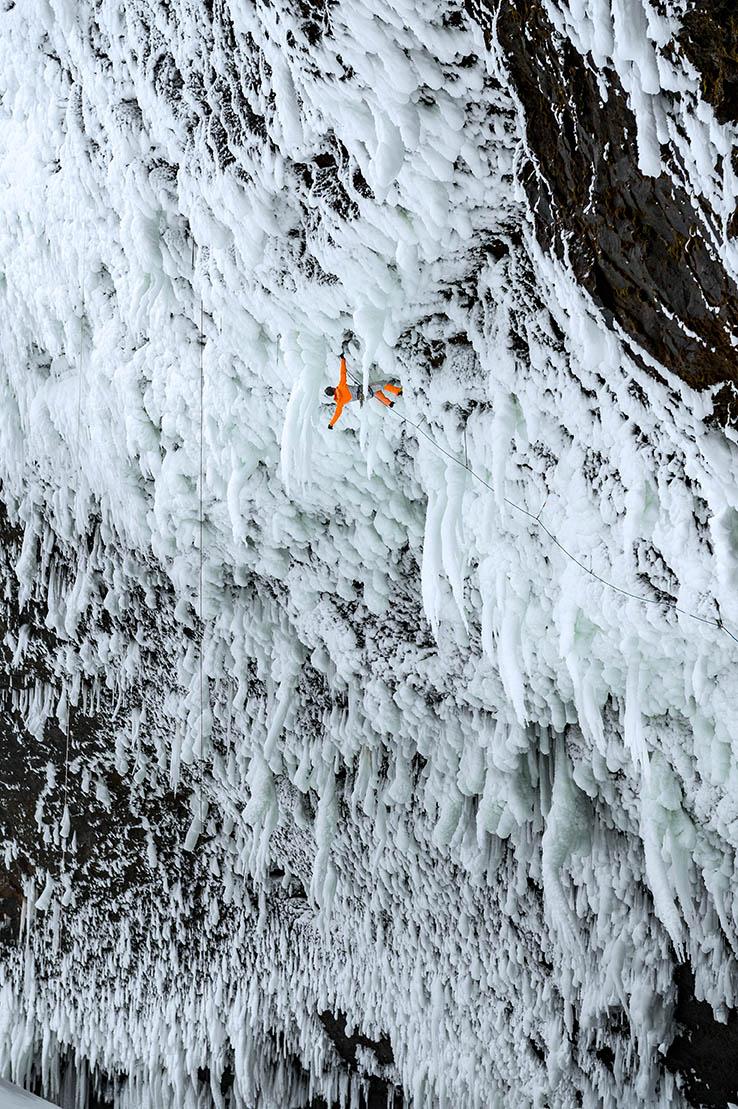 mountaineering_helmckenfalls_dani-arnold_D-301307.jpg