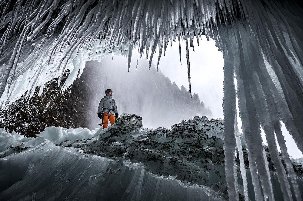 mountaineering_helmckenfalls_martin-echser_D-301926.jpg