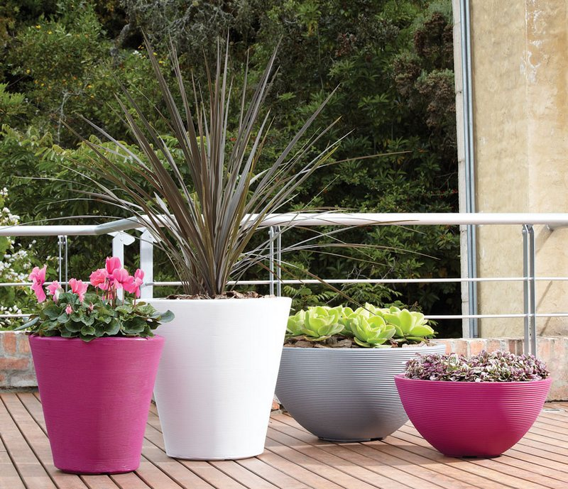Outdoor Accessories lighting planters and fire sculptures