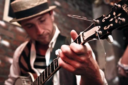 banjohandsmall.jpg