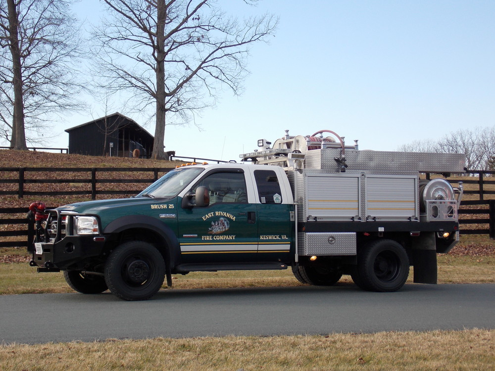 2007 Ford F-550, Brush Truck Maximum Crew: 5 Pump: 500 GPM Water: 300 Gallon Tank Foam: 30 Gallon Tank Brush 25 is utilized for brush and wildfires as well as rural water supply and inclimate weather response.