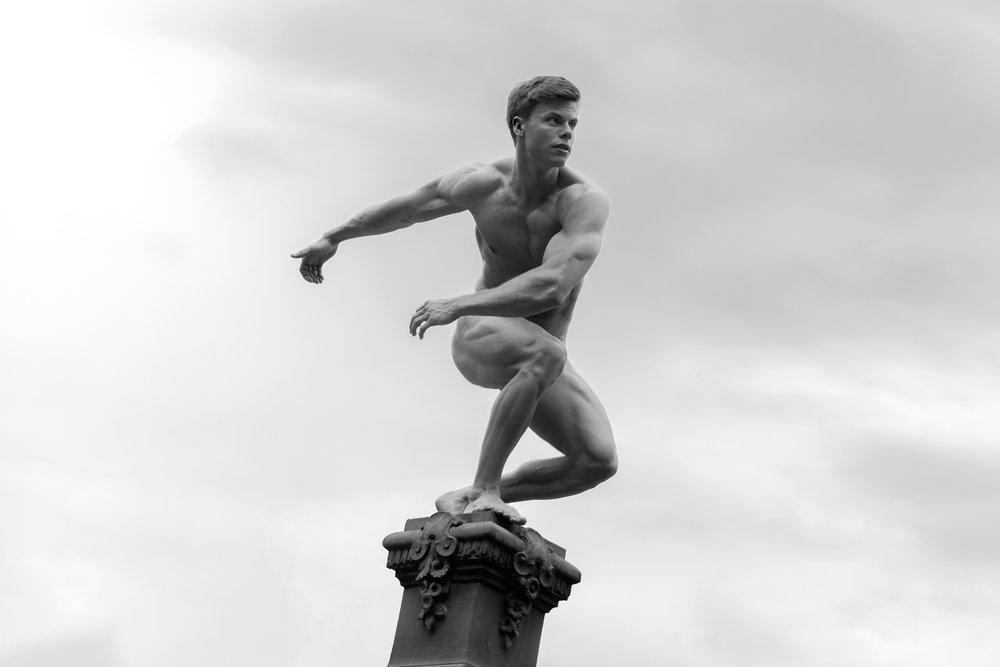 Statues-Bodybuilder-4.jpg