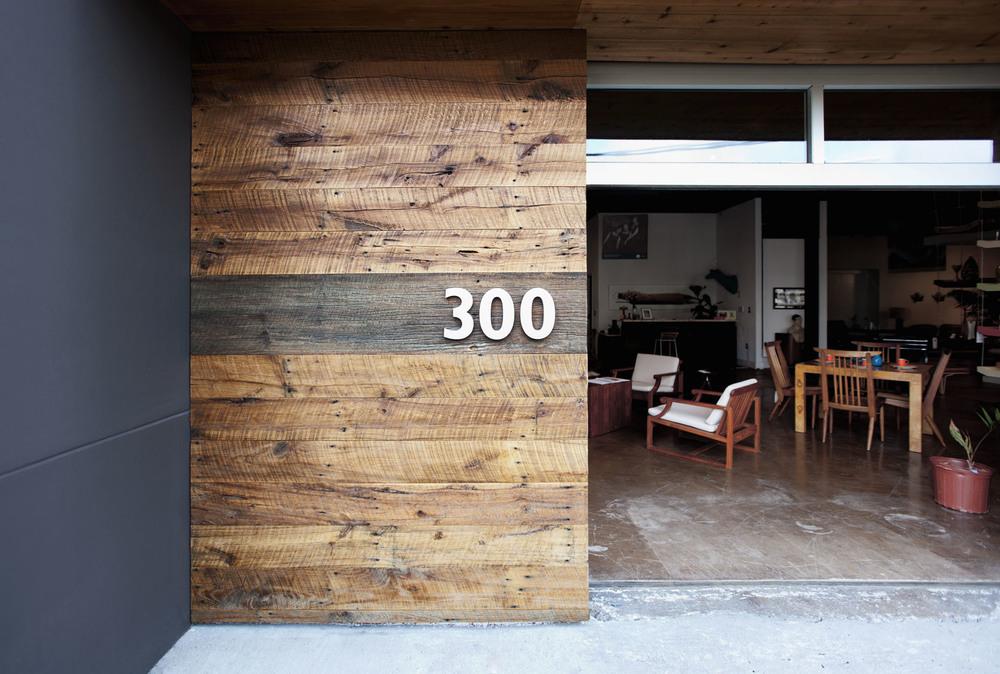 modern_restaurant_wood_hitsonandco.jpg
