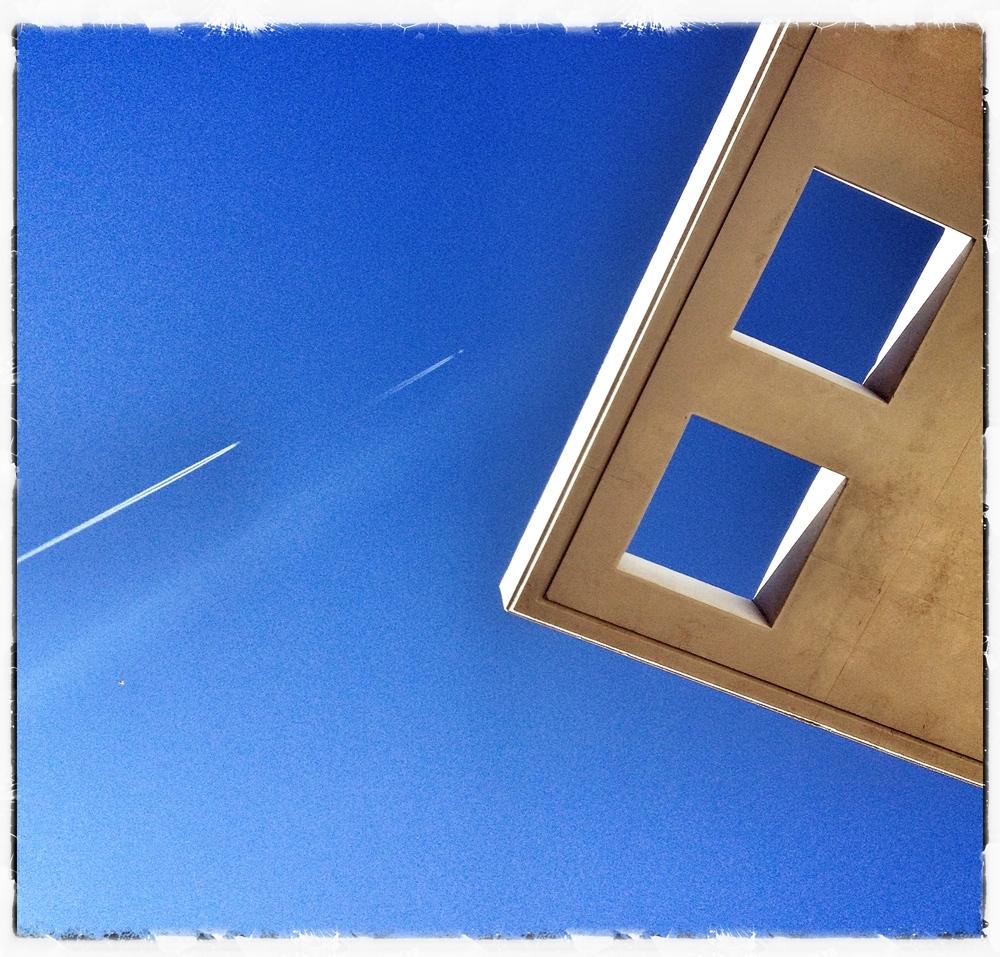 '2 planes - 2 squares' - Spain