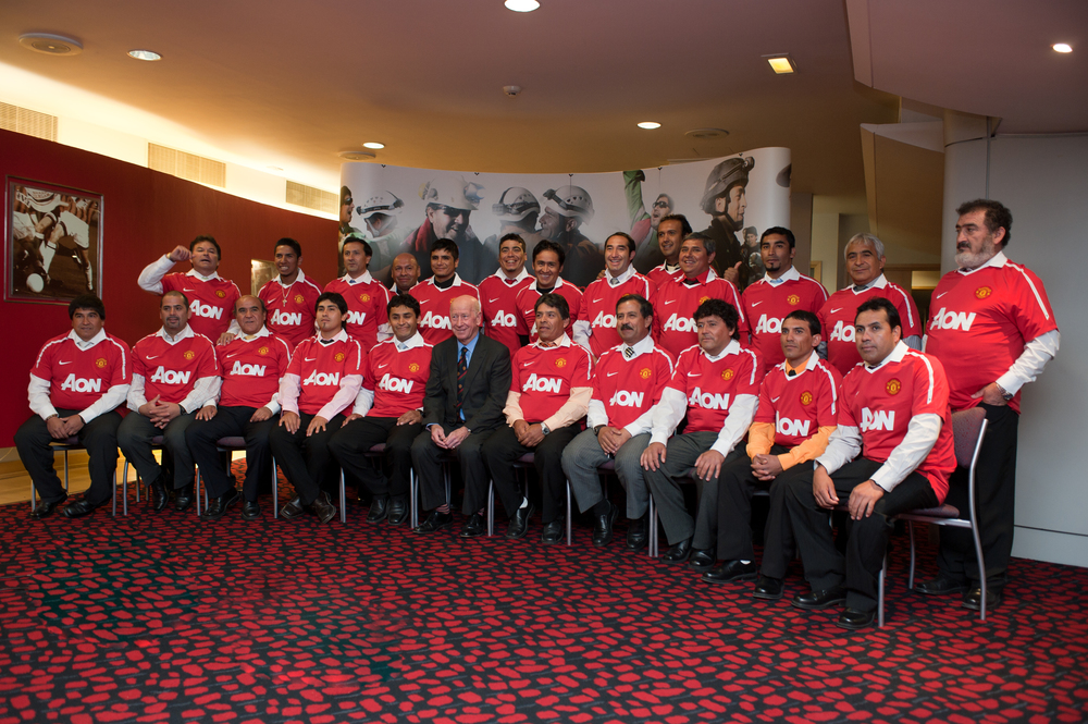 Chilean Miners greeted by Sir Bobby Charlton at Manchester United - Sunday 12 December 2010.jpeg