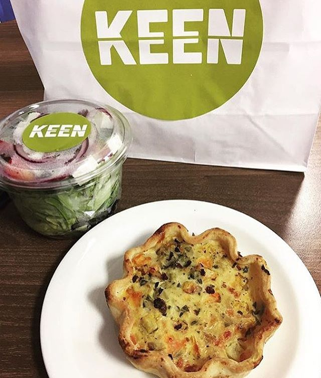 Looking for #lunch time inspiration? We've got yummy #quiches and #salad pots 🍴 A mini #meditteranean #feast. 📸: @ldn_eats