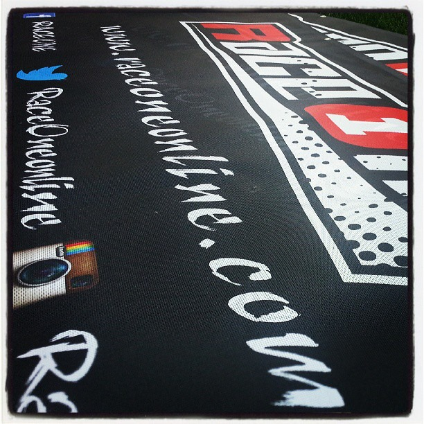 R1 Banner