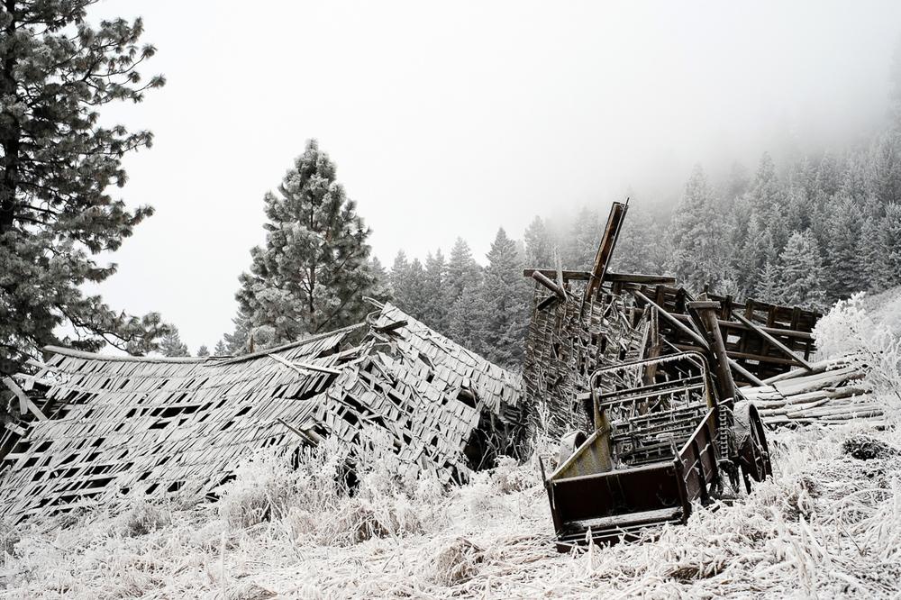 hoar_frost_old_barn--1.jpg
