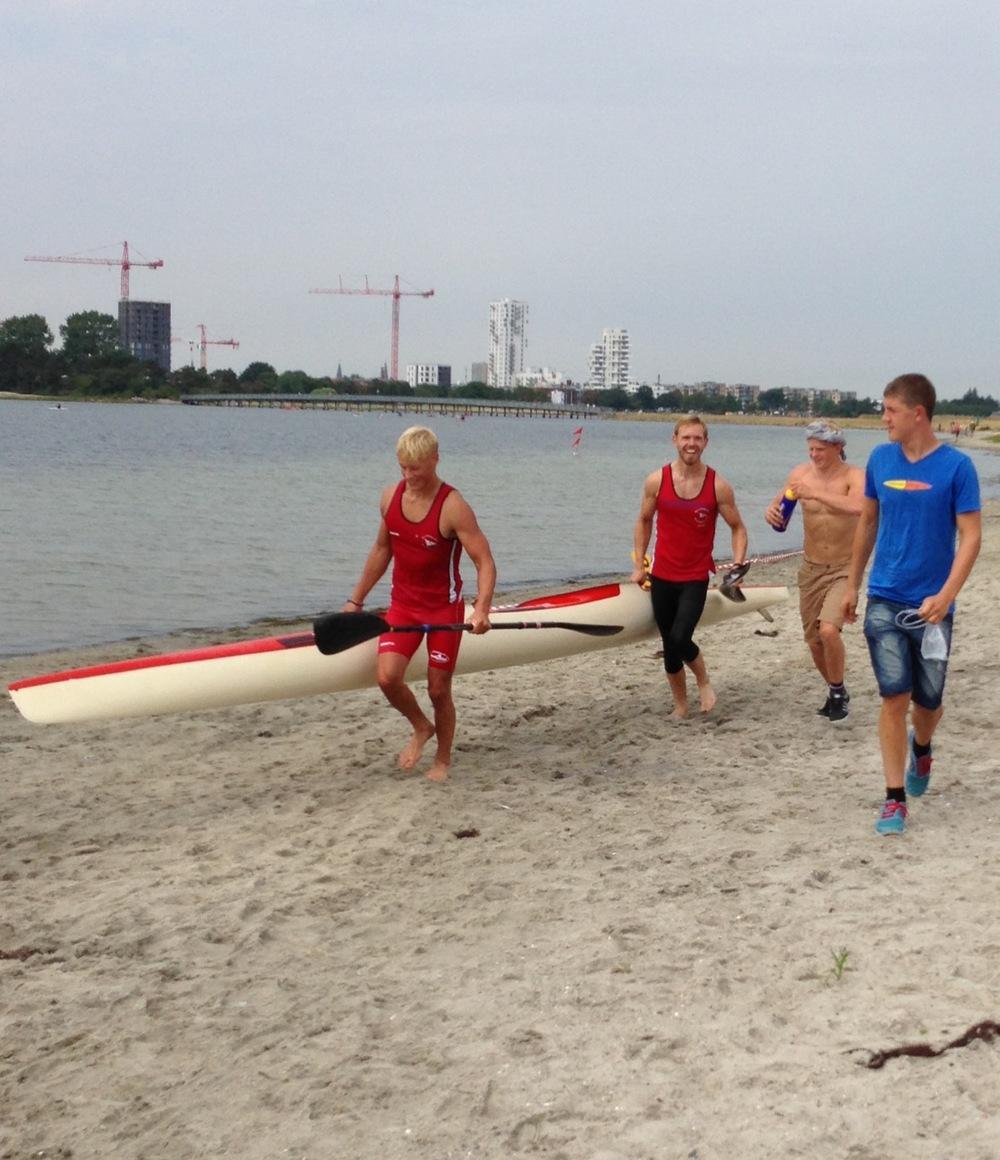 Sebastian Søndergaard og Emil Noe på vej mod en sikker sejr og med overskud til et smil!