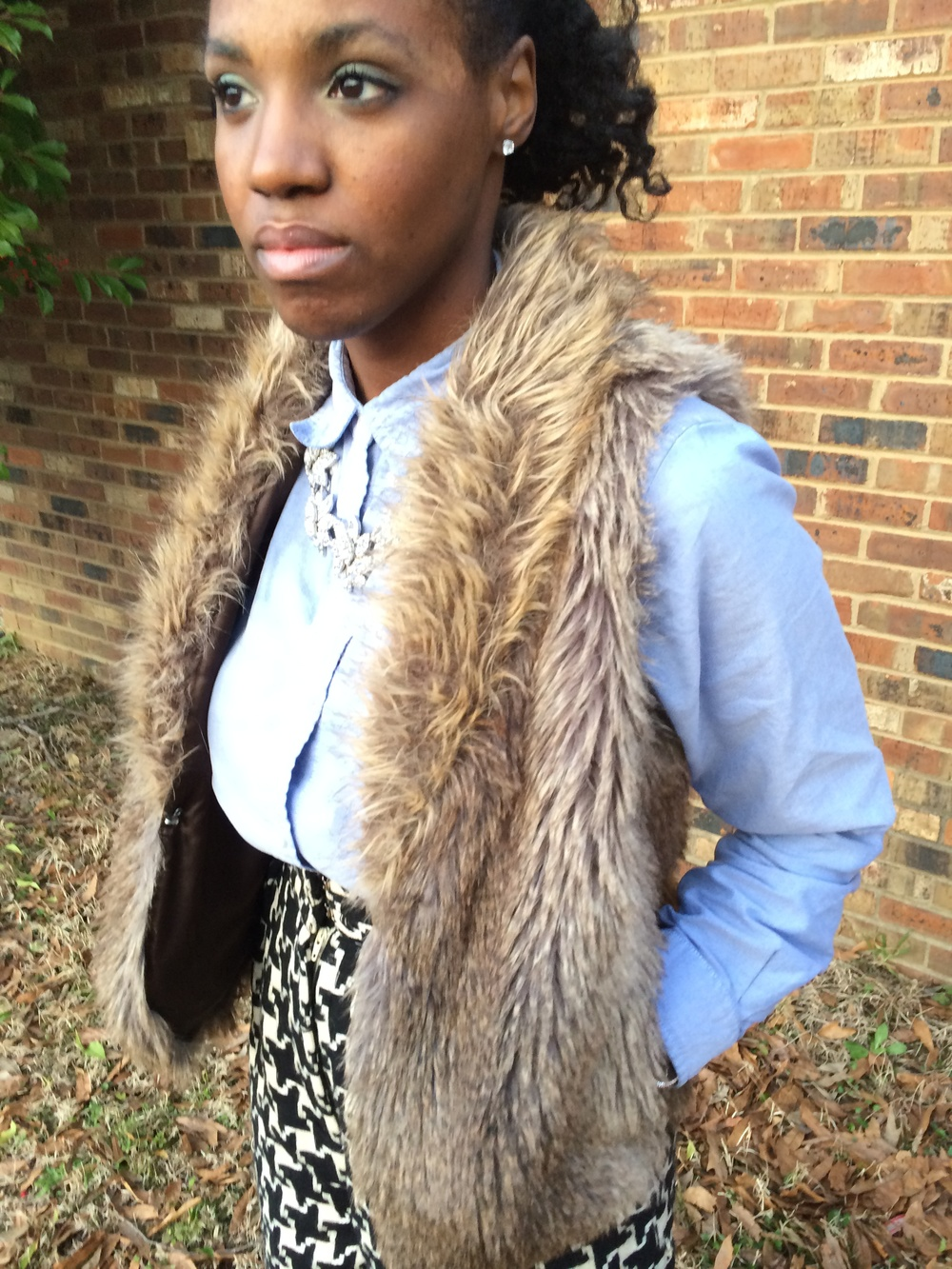 sosnublog-fur-vest-denim-shirt