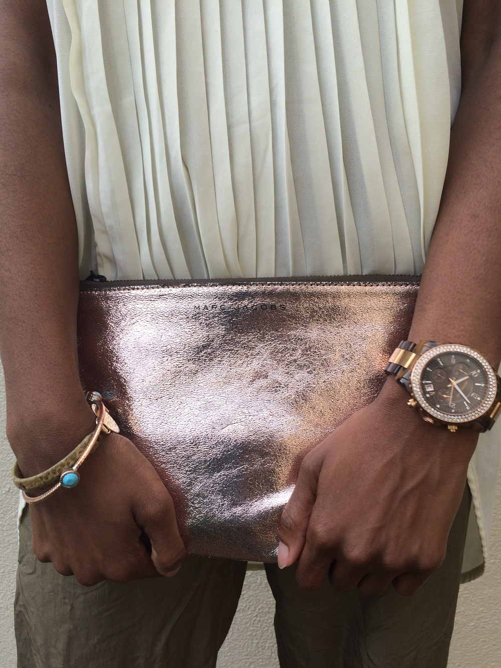 marc_jacobs_rose_gold_pouch.jpg