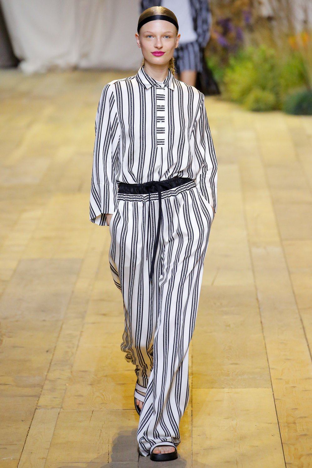 h&m-studio-black-white-stripe.jpg