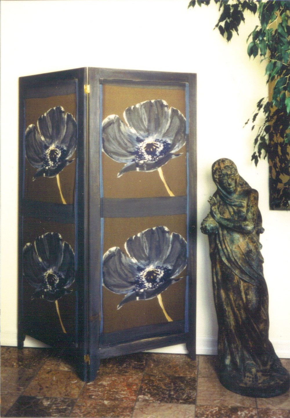 screen large flowers.jpg