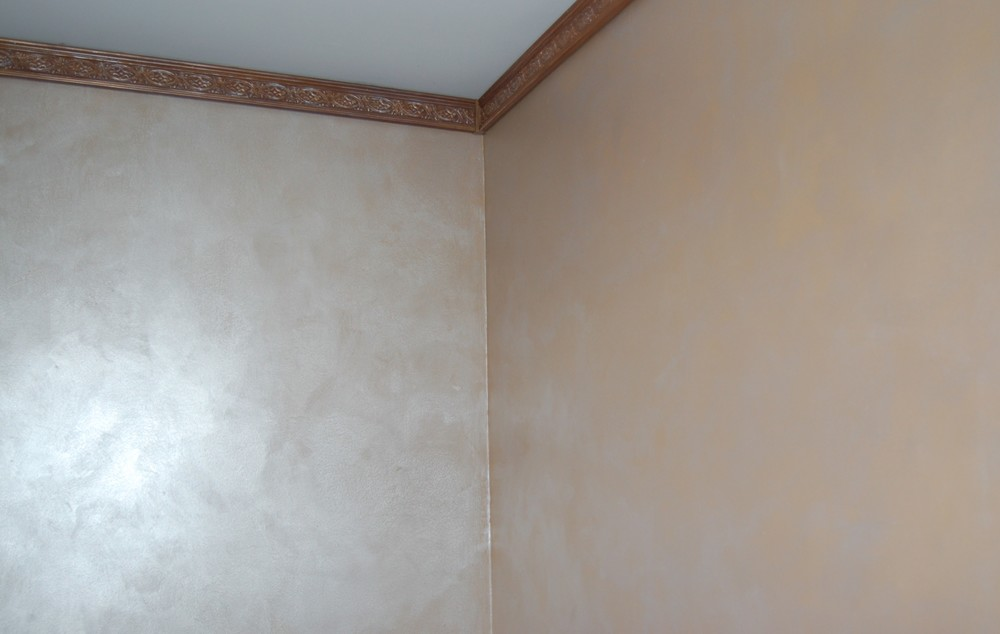 pearlescent faux finish on wall.jpg