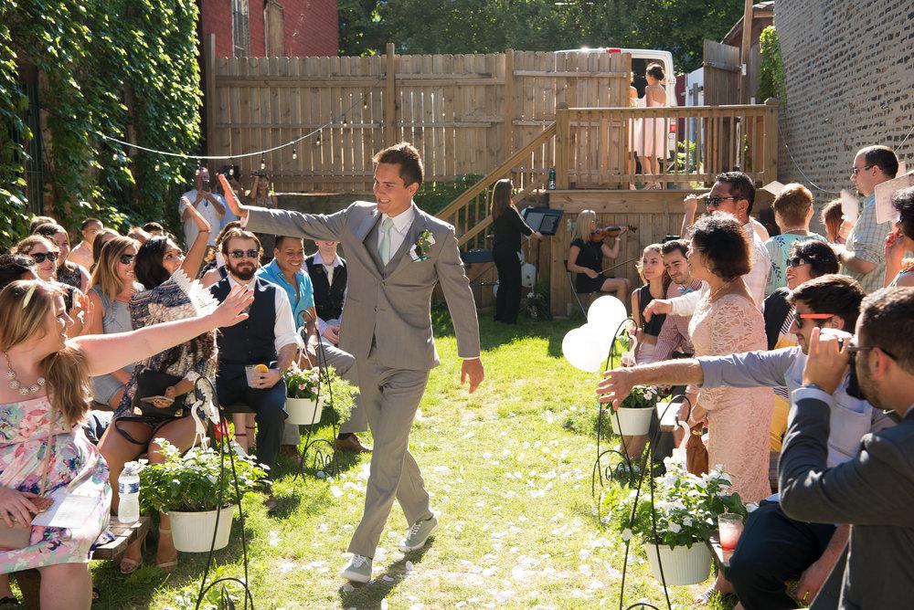 wedding_chicago_love_groom_honky_tonk_bbq