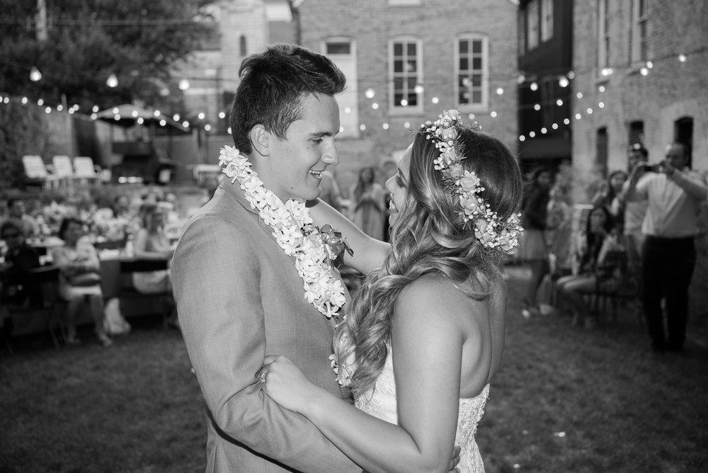 wedding_chicago_love_secret_garden_honky_tonk_bbq