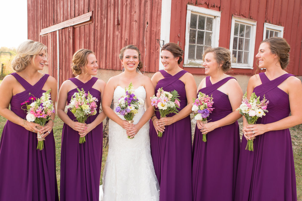 Bridesmaids_wedding_barn_farmhouse