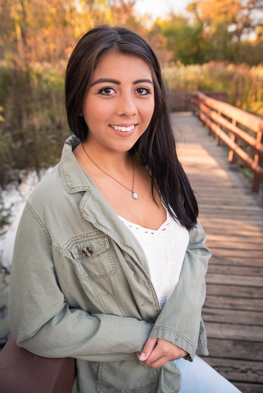 Senior_Portraits_Crystal_Lake_Prairie_Ridge