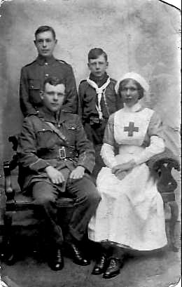 Spreckley_family_at_war_c._1914.jpg