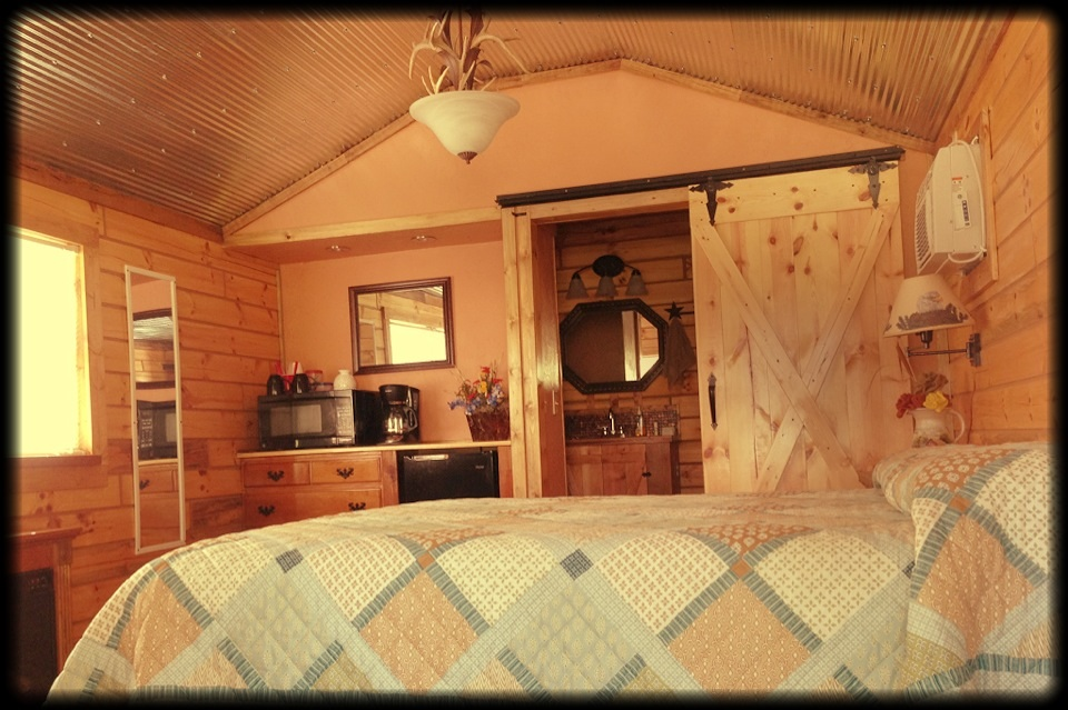 Inside the Copper Cabin (queen bed)
