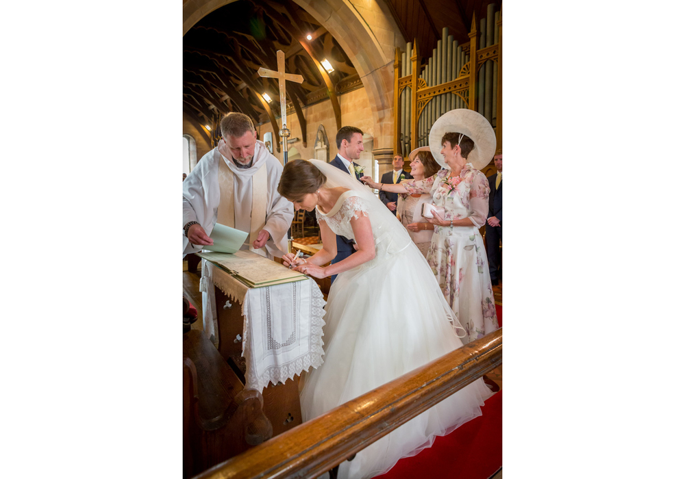 barn-brynich-wedding-photographer-brecon-wales-035.jpg