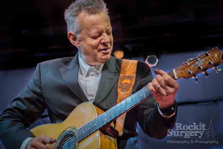Tommy Emmanuel   Click to view (5 in Gallery)