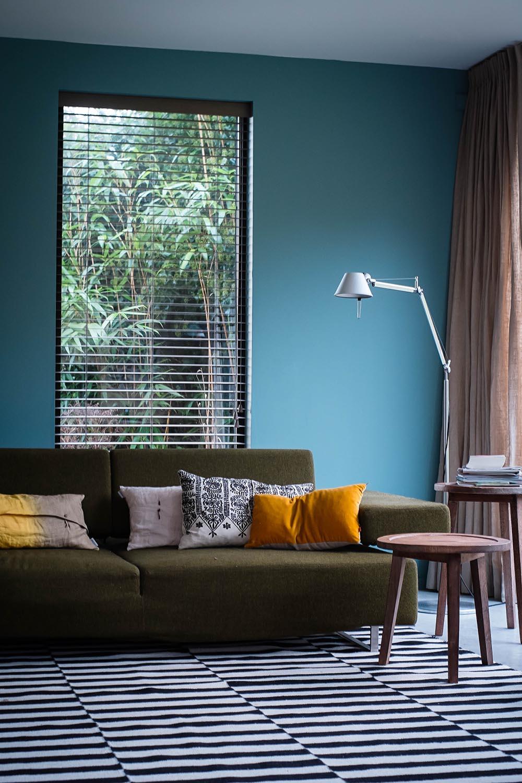 blauwe muur low res.jpg