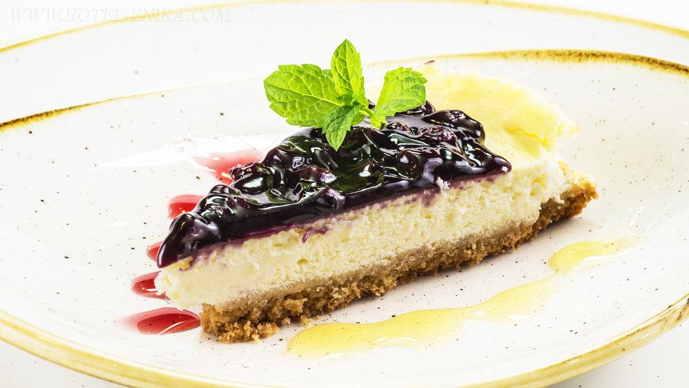 dessert small 3840.jpg