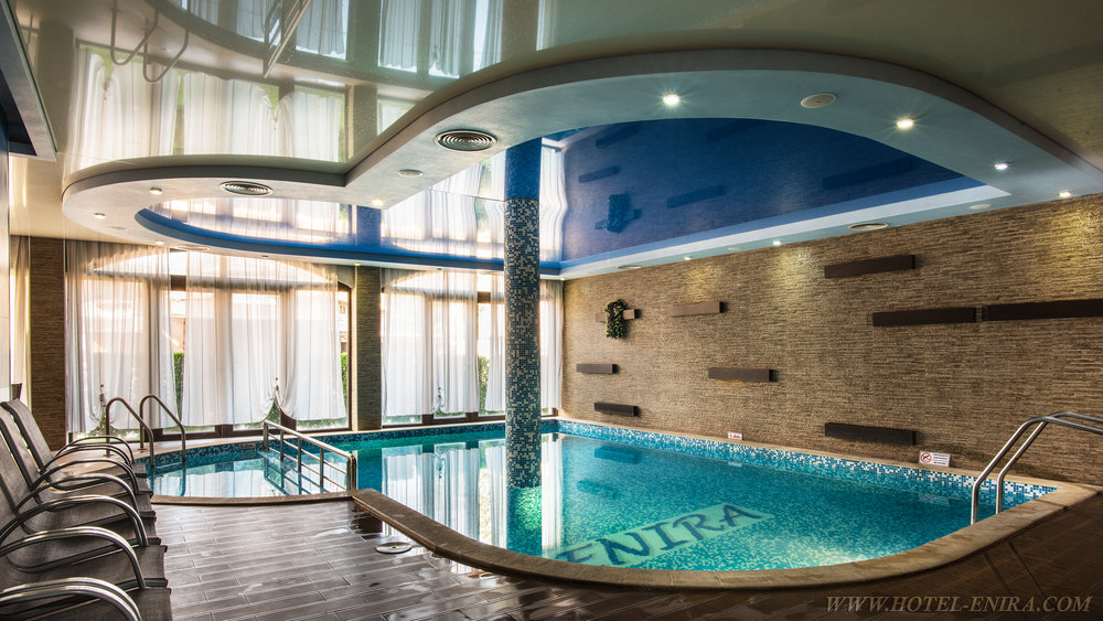 indoor swimming pool 2 3840.jpg
