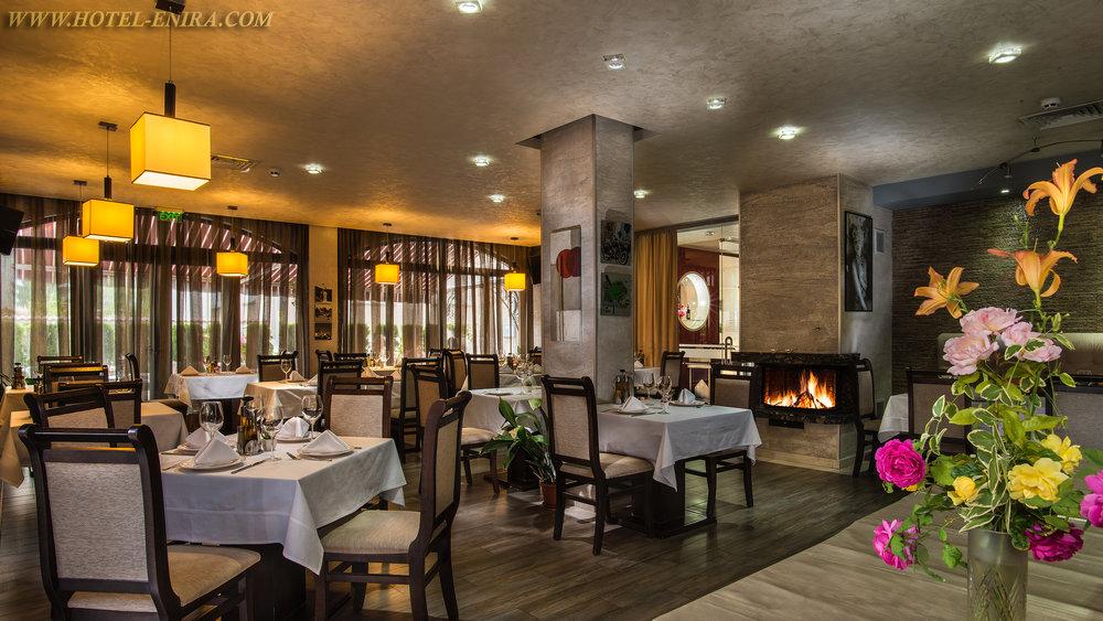restaurant 2 3840.jpg