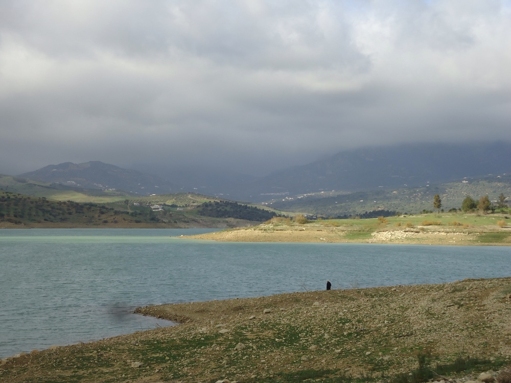 Lake Vinuella on a cloudy day