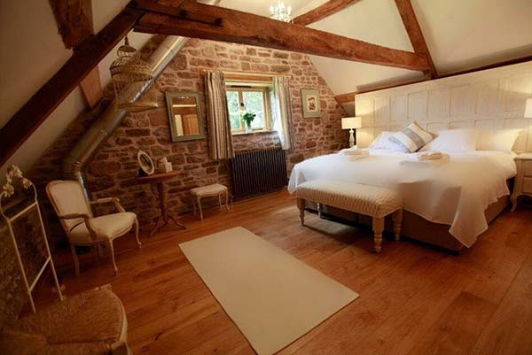 Private Room - Sleeps single or a couple en suite. *$3695***if shared pro rated room rate with workshop package**Total price of week long UK writing workshop retreat and Private Room level accommodation.