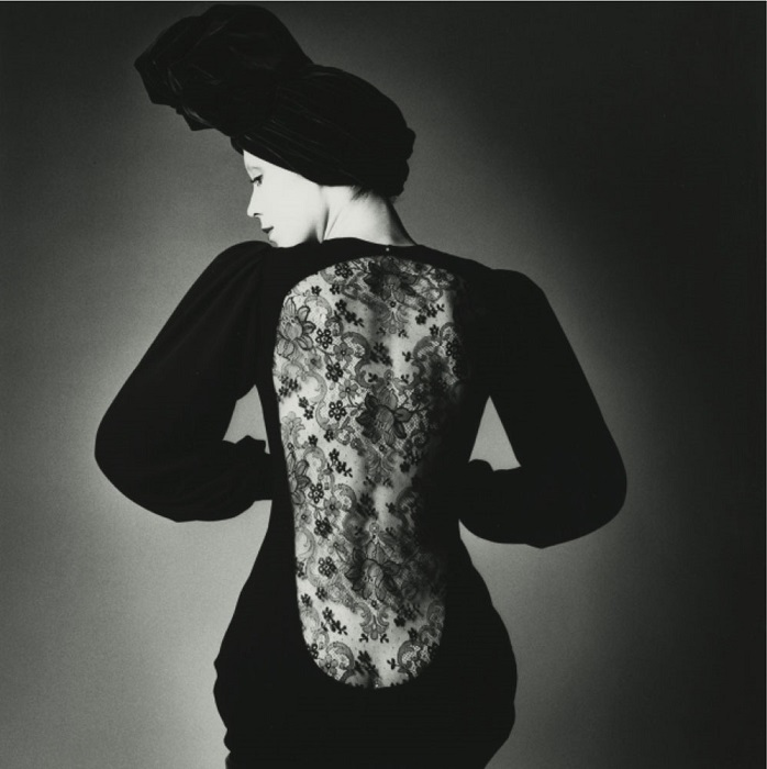 Jeanloup Sieff / Robe d'Yves Saint Laurent / Vogue Paris / 1970