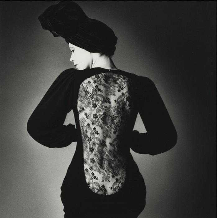 Jeanloup Sieff / Robe d'Yves Saint Laurent / Vogue Paris / 1970