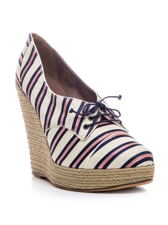 Wedge heel blue oxford shoes