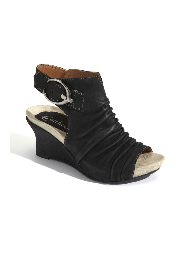 EARTHIES   wedge sandal    currently 50% off
