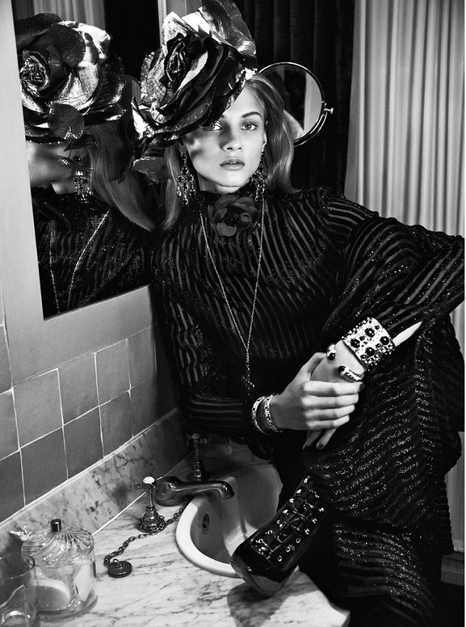Lachlan Bailey / Anna Selezneva / Vogue Paris / December 2013