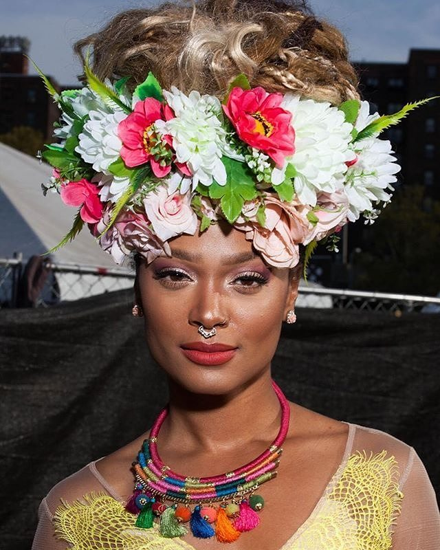 #Repost @afropunk ・・・ A perfect crown at #AFROPUNK2017 . 📸 by @erinpatriceobrien 🌺