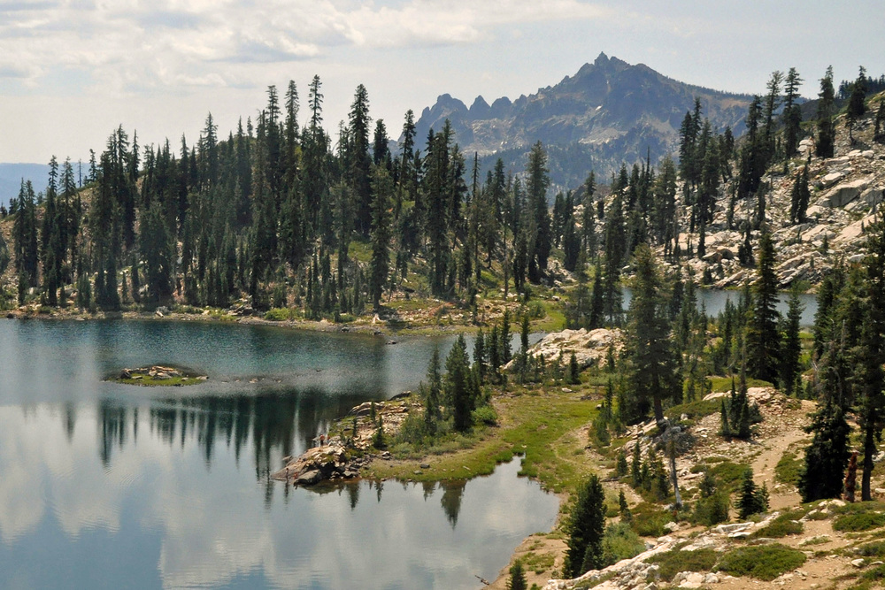 Deer Lake & Sierra Buttes
