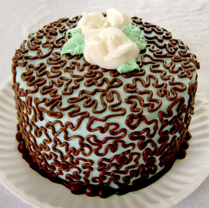 cornelli lace cake
