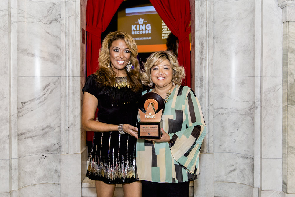 Sherry and Lauren Scott, grand & great-grand daughter of the late Henry Glover of King Records accepting & celebrating his Lifetime Achievement Award.